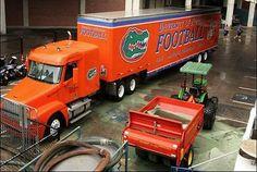 Florida Gators equipment truck for away football games Florida Gators College, Florida Gators Football, University Of Florida, Florida Athletics, Gator Football, Usa Soccer Team, Football Equipment, Trucks, Pride