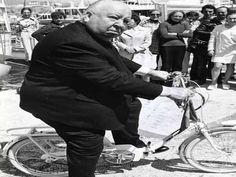 """Parte da programação da 24º Festival Internacional de Curtas Metragens de São Pauloo, o Cine-Cicletada reúne ciclistas e cinéfilos de diversas partes da cidade, às 20h. no Museu da Imagem e do Som, com entrada Catraca Livre. O encontro que mescla projeções de cinema e passeio ciclístico propondo alternativas nas questões de mobilidade urbana e...<br /><a class=""""more-link"""" href=""""https://catracalivre.com.br/sp/agenda/gratis/cine-cicletada-reune-ciclistas-e-cinefilos-no-mis/"""">Continue lendo…"""