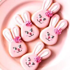 Bunny icing cookies