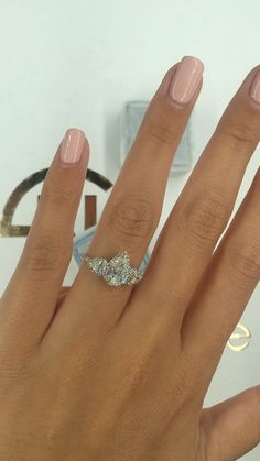 Are pear shaped diamonds your favorite? This ring is perfect for our pear lovers. A distinctive shape with so much sparkle! The halo around each stone keeps the diamonds secure and add some dimension rings anillos Three stone engagement ring Pear Shaped Engagement Rings, Engagement Ring Shapes, Three Stone Engagement Rings, Beautiful Engagement Rings, Diamond Engagement Rings, Diamond Rings, Teardrop Engagement Rings, Pear Shaped Rings, Halo Wedding Rings