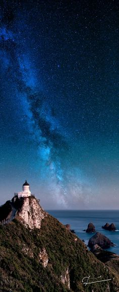 Lighthouse, Milky Way, Nugget Point, New Zealand.just another reason a New Zealand vacation is on my bucket list! Beautiful World, Beautiful Places, Beautiful Pictures, The Places Youll Go, Places To See, All Nature, To Infinity And Beyond, Milky Way, Ciel