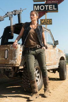 Mercedes Mason as Ofelia Salazar- Fear the Walking Dead _ Season 3 - Photo Credit: Richard Foreman, Jr/AMC