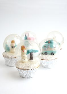 Snow Globe Holiday Cupcakes