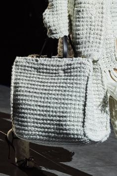 Dolce & Gabbana Fall 2020 Ready-to-Wear Collection - Vogue Dolce & Gabbana, Knit Fashion, Fashion Bags, My Bags, Purses And Bags, Yarn Bag, Crochet Handbags, Knitted Bags, Crochet Accessories