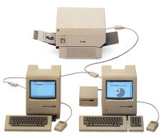 My kids would love this.mom is old! cLocalTalk networked Macintosh with an Apple LaserWriter - Desktop Publishing of the Apple Images, Old Computers, Apple Computers, Mac Notebook, Desktop Publishing, Old Technology, Apple Art, Steve Jobs, Apple Products