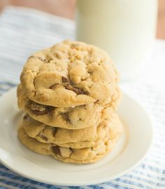 Salted Peanut Butter Cup Chocolate Chip Cookies by Brown Eyed Baker Cookie Brownie Bars, Cookie Desserts, Cookie Recipes, Dessert Recipes, Bar Recipes, Baking Recipes, Peanut Butter Recipes, Peanut Butter Cups, Chocolate Chip Cookies