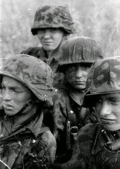Leibstandarte soldiers at Kursk