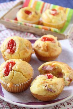 Muffin con bacon, pomodorini e timo