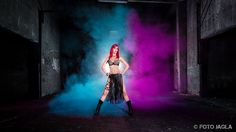Holipulver Shooting im Lost Place mit Model BambiRay
