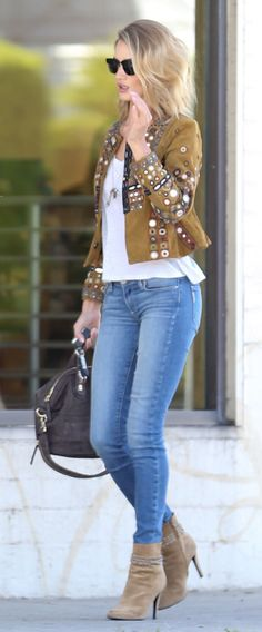 44a64c78e8f681 Photo Rosie Huntington-Whiteley keeps it trendy in a flashy jacket while  doing some shopping with boyfriend Jason Statham on ...