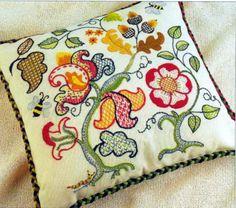 Подушка, вышитая шерстью - Вышивание - Мамин-форум.Ру
