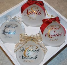 Great anniversary and Christmas gifts for her! Ornament ideas - vinyl lettering - not just for Christmas - Anniversary Gift. Vinyl Ornaments, Personalized Ornaments, Diy Christmas Ornaments, Christmas Balls, Homemade Christmas, Christmas Fun, Christmas Decorations, Thanksgiving Holiday, Christmas Vinyl