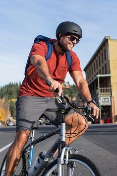 Give Dad the gift of fun this Father's Day. Bike gear makes the perfect gift for Dad from the kids. Activities Near Me, Outdoor Activities For Adults, Rappelling, Adventure Activities, Cycling Bikes, Extreme Sports, Mountaineering, Rock Climbing, The Great Outdoors