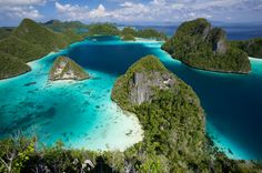 West Papua, Indonesia Places To Travel, Places To See, Travel Destinations, Indonesia Destinations, Dream Vacations, Vacation Spots, Beautiful World, Beautiful Places, Beautiful Islands
