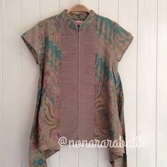 B23901 - IDR265.000 Bustline: 90cm Fabric: Batik Dobi Solo