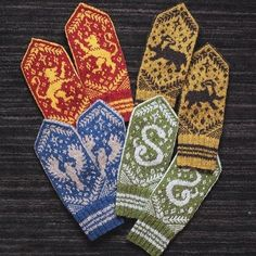 Hogwarts Houses Mittens by Dianna Walla on . - Hogwarts Knitting Club - Knitting Ideas Hogwarts Houses Mittens by Dianna Walla on… - Hogwarts Knitting Club knitting club Record of Knitting Wool spinning, wea. Knitting Club, Knitting Kits, Fair Isle Knitting, Loom Knitting, Knitting Projects, Knitting Patterns, Free Knitting, Knitting Tutorials, Knitting Ideas