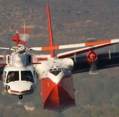 """""""Firewatch 76 leading the Martin Mars. Photo: Coulson Flying Tankers"""" (via)"""