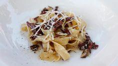 The perfect Cabonara recipe Food Fettuccine Carbonara Recipe, Good Food, Yummy Food, Ham, Super Easy, Noodles, Food Ideas, Cooking Recipes