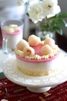 Lychee Yogurt Mousse Cake