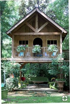 47 Incredible Backyard Storage Shed Design and December - Tiny Garden Cottage Tiny House Cabin, Cottage House Plans, Tree House Plans, Small Log Cabin, Cottage Ideas, Tree House Homes, Guest House Cottage, Adult Tree House, Tiny Guest House