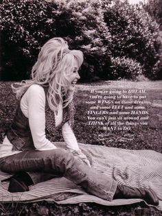 Dolly Parton quote as seen in the October 2014 Southern Living Magazine on pg 108 Dolly Parton Wigs, Moving To Tennessee, Dolly Parton Quotes, Encouraging Thoughts, Coat Of Many Colors, Life Is Beautiful Quotes, Country Music Singers, She Was Beautiful, Hello Dolly