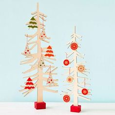 Marvelous Spruce Up A Plain Table With A Sweet, Easy To Assemble Paper Tree. Modern Christmas  TreesTabletop ...
