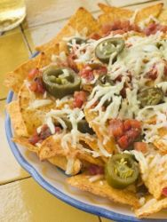 This nachos recipe is one of our simplest holiday appetizer recipes. This colorful dish combines crunchy tortilla chips, cheddar cheese, sal. Made these like this forever ! Mexican Appetizers, Best Appetizer Recipes, Best Appetizers, Cheese Recipes, Party Appetizers, Dinner Recipes, Mexican Dishes, Mexican Food Recipes, Nacho Recipes