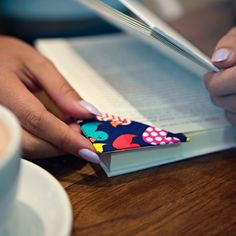 Make DIY crafts using Duck Tape® brand duct tape. Learn how to make a classic duct tape wallet, or browse hundreds of simple crafts for kids and advanced DIYers alike.
