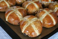 Vegan Hot Cross Buns (Dairy free, Egg free) **NOT a gluten free recipe; pinning for the vegan part. Gluten Free Hot Cross Buns, Vegan Hot Cross Buns, Cross Buns Recipe, Bun Recipe, Vegan Buns Recipe, Dairy Free Eggs, Egg Free, Allergy Free Recipes, Vegan Recipes