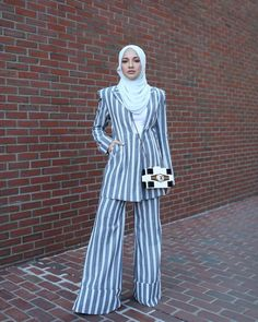 ✨ Fashioning the Future at Forbes Under 30 Summit Business Dress Code, Business Dresses, Stylish Hijab, Hijab Chic, Abaya Fashion, Modest Fashion, How To Wear Blazers, School Fashion, Office Fashion