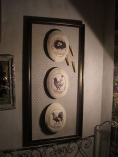 """Cadre pèle mêle vintage"""" la basse-cour"""" comprenant 3 médaillons 57/119cm : Décorations murales par artisannelise"""