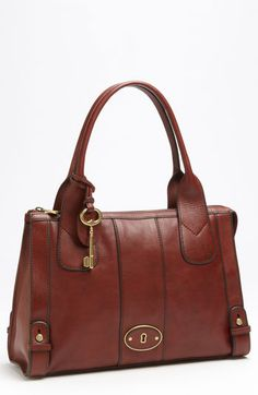 "Fossil ""Vintage Re-Issue Satchel""."