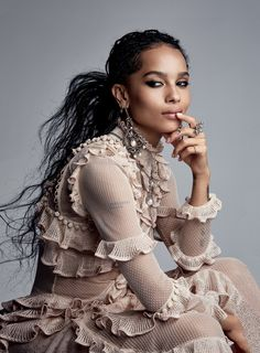 Zoe Kravitz in Alexander McQueen photographed by Patrick Demarchelier for Vogue US, May Fashion Week Paris, New York Fashion, Trendy Fashion, High Fashion, Fashion Beauty, Fashion Show, Fashion Stores, Ysl Beauty, Fashion Women