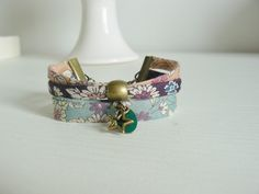 Bracelet tissu Frou Frou style manchette : Bracelet par les-bijoux-de-poe