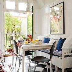 Decorating a kitchen - photos - kitchen nook via My Paradissi.jpg