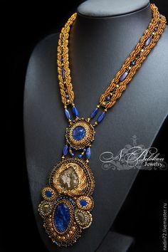 Купить Комплект украшений с авантюрином, содалитами и бусинами лазурита и пир - темно-синий, золотой, бронзовый