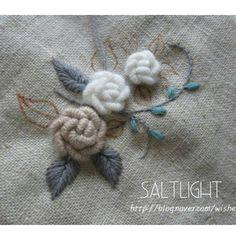 """좋아요 255개, 댓글 4개 - Instagram의 소금빛 자수 saltlight embroidery(@saltlight_)님: """"장미자수 연습. #소금빛자수 #장미자수 #모사자수실 #자수재료"""""""