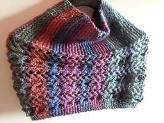 Stola / coprispalle in lana con intrecci e trafori