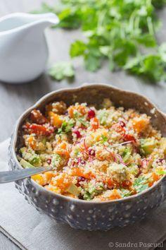 Buddha Bowl - Buddah Bowl – Sandra Source by kongkaket Chicken Salad Recipes, Healthy Salad Recipes, Raw Food Recipes, Veggie Recipes, Vegetarian Recipes, Vegetarian Bowl, Food Bowl, Quinoa, Food Inspiration