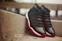 Jordan 11 playoff black
