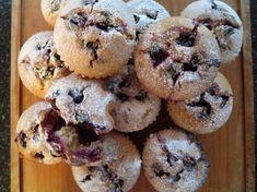 Fotorecept: Špaldové muffiny s červeným hroznom Doughnut, Sweet Recipes, Clean Eating, Cookies, Breakfast, Desserts, Food, Healthy Meals, Biscuits
