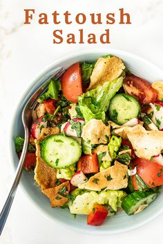 An easy to make homemade Fattoush Salad made with simple healthy ingredients and a bright zesty dressing. Mediterranean Bowls, Mediterranean Diet Recipes, Middle Eastern Dishes, Middle Eastern Recipes, Meat Salad, Large Salad Bowl, Kinds Of Salad, Grilled Meat, Salad Ingredients