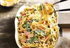 From start to finish in just 20 minutes, this is faster pasta! Bacon rashers, onion, linguine and cream make a comfort food dish of ease. Top with parmesan!