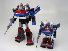 Transformers Masterpiece MP-19 Smokescreen (comparison with G1 Smokescreen)