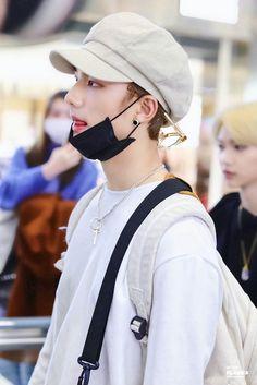 Felix in the back too though. Lee Know, Kpop Boy, Lee Min Ho, Pop Group, Little Babies, Pretty Boys, Baby Photos, Celebrities, Minho