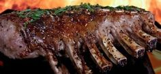 Who doesn't love the taste of a tender steak fresh off the grill? A great-tasting steak begins with a good cut of meat. Use this guide to get the meaty details you need! Prime Rib Roast, Pork Roast, Carne Asada, Tolle Desserts, Steak Cuts, Barbecue Ribs, Weight Loss Tea, Lose Weight, Bbq Ribs