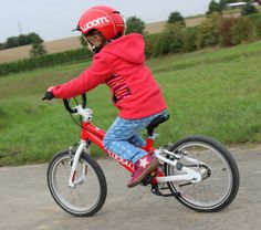 The quality of pedal bike is worth every penny! Many parents recommend it! Woom Bike, Bike Reviews, Bmx, Baby Care, Car Seats, Dads, Parents, Clothes, Outfits