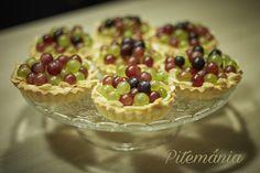 Pitemánia: Szőlős tartelette Minion, Fruit Salad, Oatmeal, Breakfast, Food, The Oatmeal, Morning Coffee, Fruit Salads, Rolled Oats