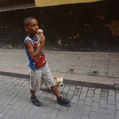 #cuba #havana #people #kids #icecream #streetphotography