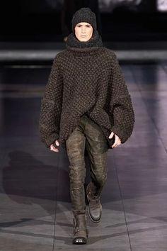 Dolce & Gabbana, Men Fashion Show, High Fashion, Mens Fashion, Fashion Menswear, Brown Fashion, Milan Fashion, Fashion Trends, Moda Crochet
